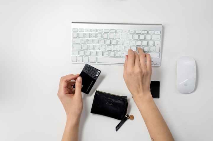 Online shopping inVietnam